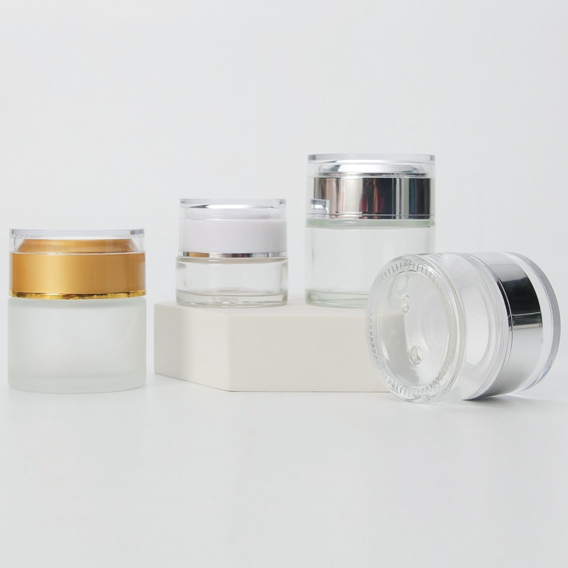 الجملة مخصص برطمان زجاجي لمستحضرات التجميل فارغة مع غطاء بلاستيكي المسمار لحاويات كريم وجه زبدة العين في الأوراق المالية