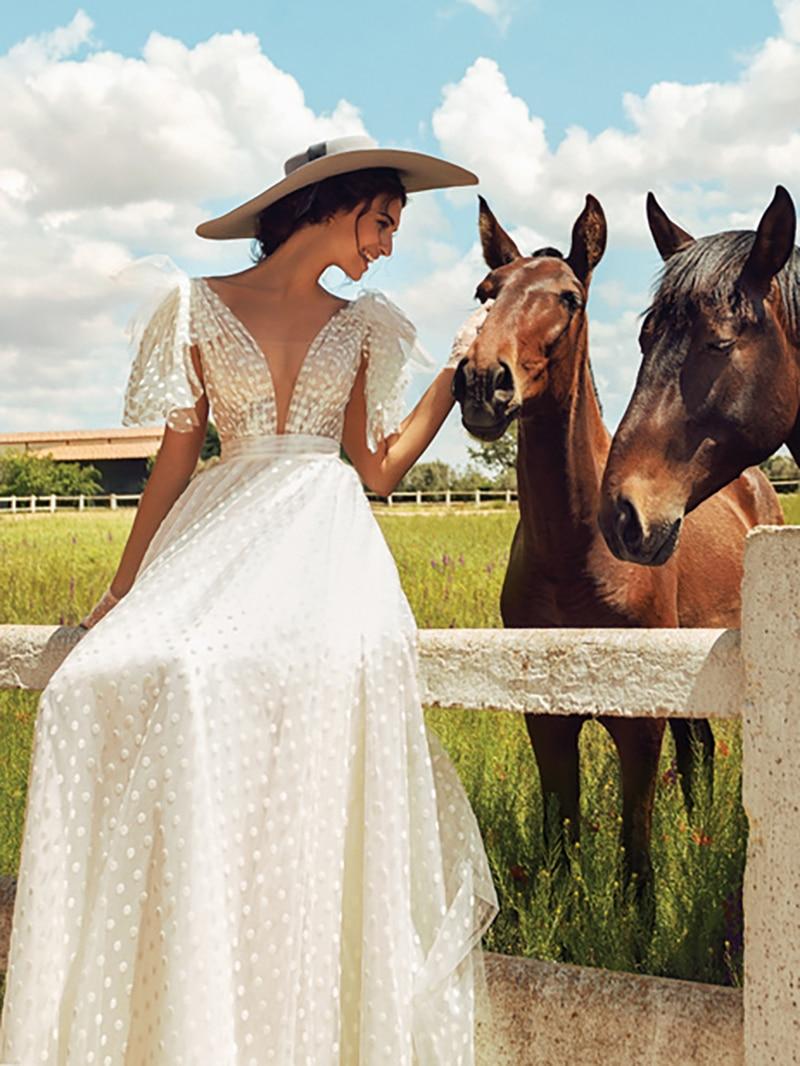 Deep V Neck Polka Dots Tulle Outdoor Wedding Dress Transparent Plus Size Open Back Princess Chic Boho Beach Summer Bridal Gown