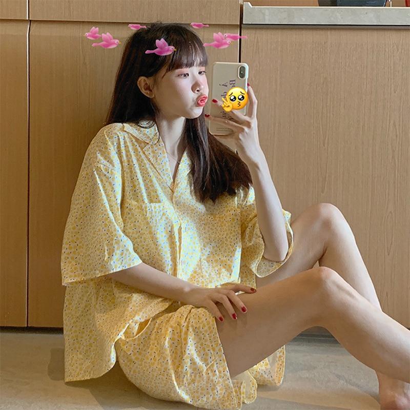 Новинка-лета-2021-свежая-верхняя-одежда-Цветочная-свободная-Молодежная-Пижама-с-рукавом-до-локтя-Женская-домашняя-одежда-комплект-из-двух