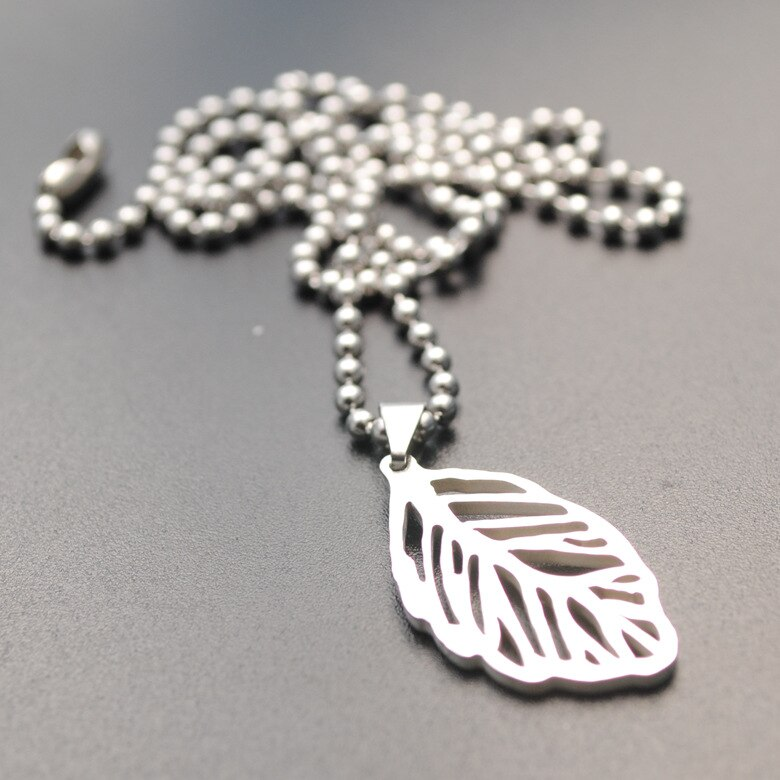 30pcs Stainless steel hollow leaf plant leaves maple leaves fallen leaves Flower lucky necklace jewelry like angel feathers gift