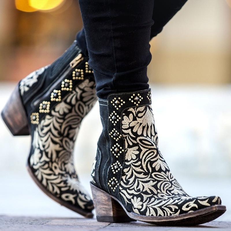 المرأة أحذية الكاحل 2021 ربيع جديد أحذية الموضة الرجعية الإناث بولي Leather الجلود الغربية أشار تو الأزهار سستة الأحذية النسائية