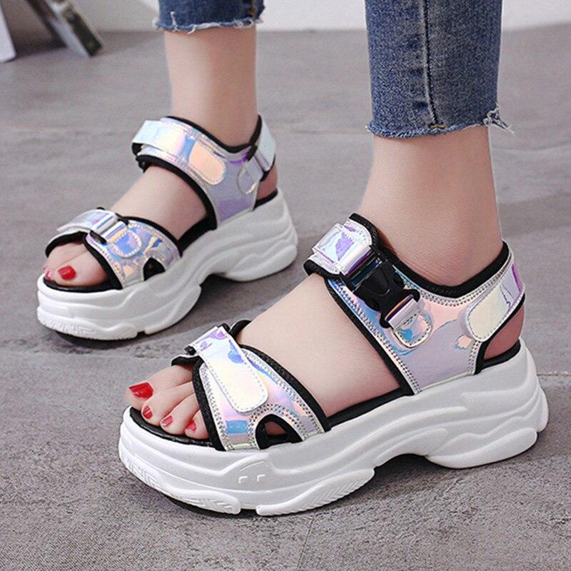 Suave Sandalias Mujer láser cuña hebilla verano hueco zapatos de las señoras fresco grueso sandalias con plataforma para mujer playa zapatos de verano
