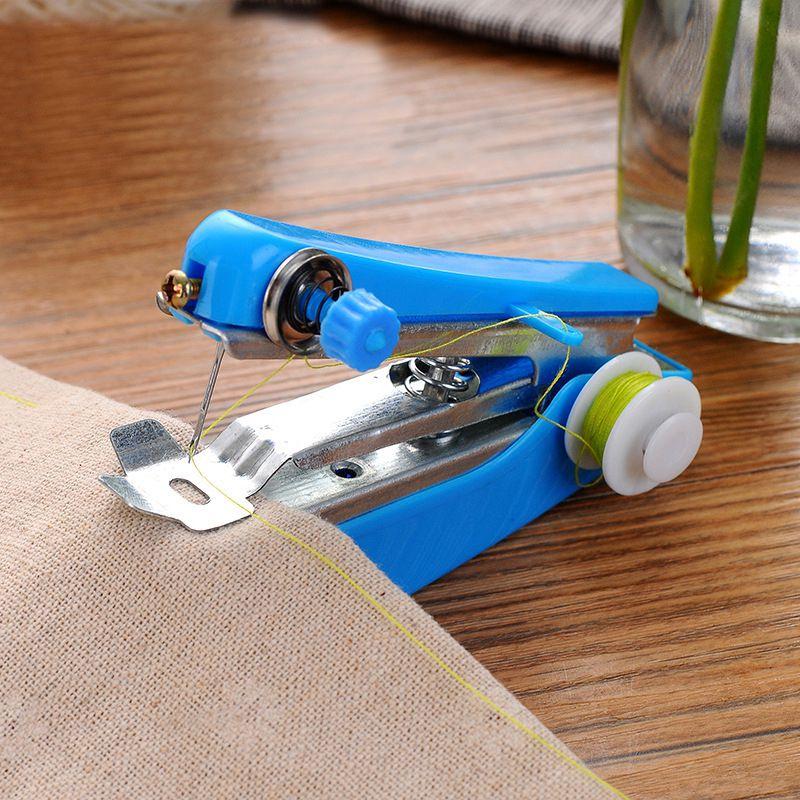 1pc venda quente mini máquina de costura portátil bordado mini mão-realizada roupas tecidos máquina de costura ferramentas de costura