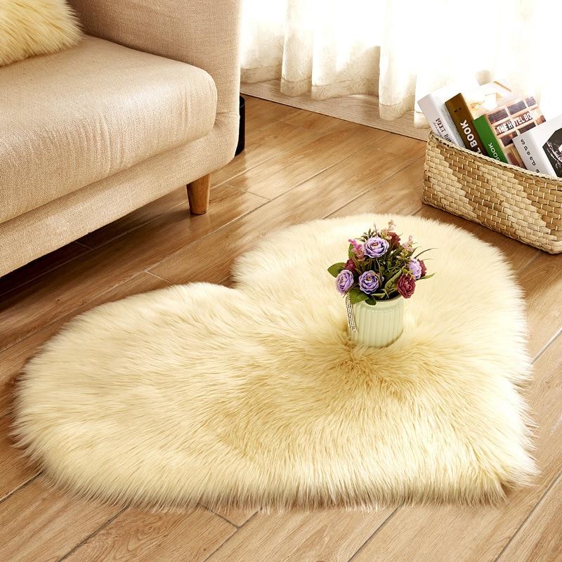 Tapete de pelúcia com pele de carneiro, tapete em formato de coração falso, imitação de lã, artificial, para sala de estar
