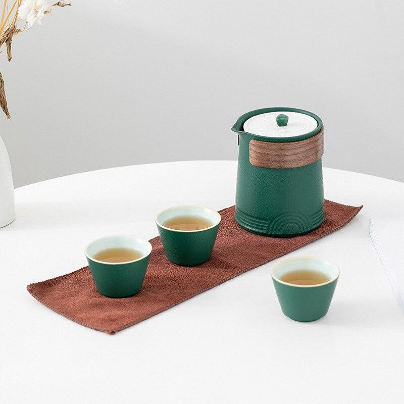 طقم شاي السفر المحمولة المحمولة Gongfu إبريق الشاي في الهواء الطلق كوب سريع وعاء واحد يملأ ثلاثة أكواب