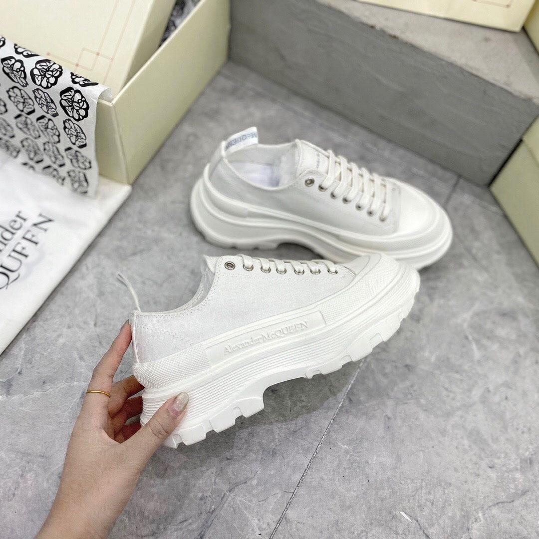 حذاء نسائي كاجوال ، حذاء قماش عالي الجودة ، النسخة الكورية ، زيادة سميكة سوليد أحذية رياضية نسائية ، جديد 2021
