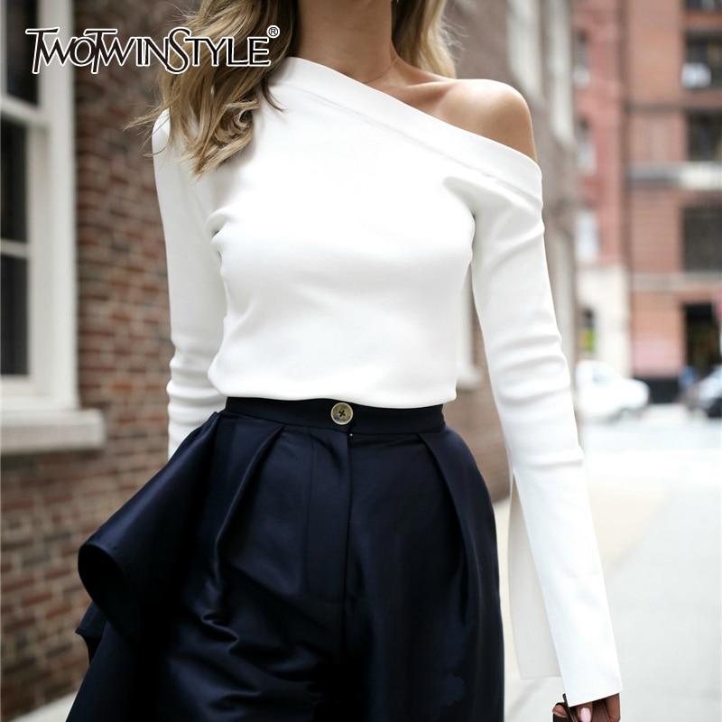 Twotwinstyle البيضاء الإناث t-shirt قبالة الكتف مائل العنق مثير أعلى انقسام طويل الأكمام المرأة القمصان الكورية الملابس مقاسات كبيرة