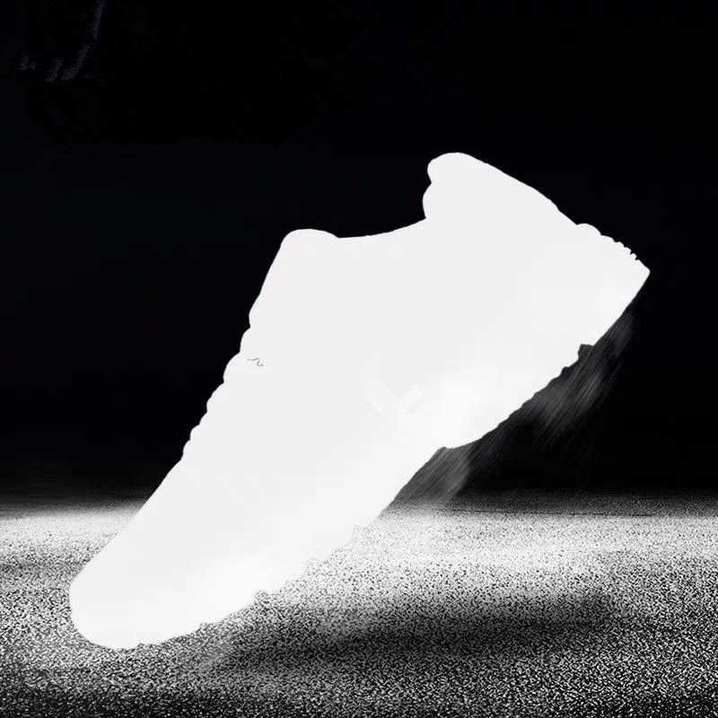 أحذية رياضية غير رسمية للرجال والنساء توفر صور للعثور على عناصر مخصصة
