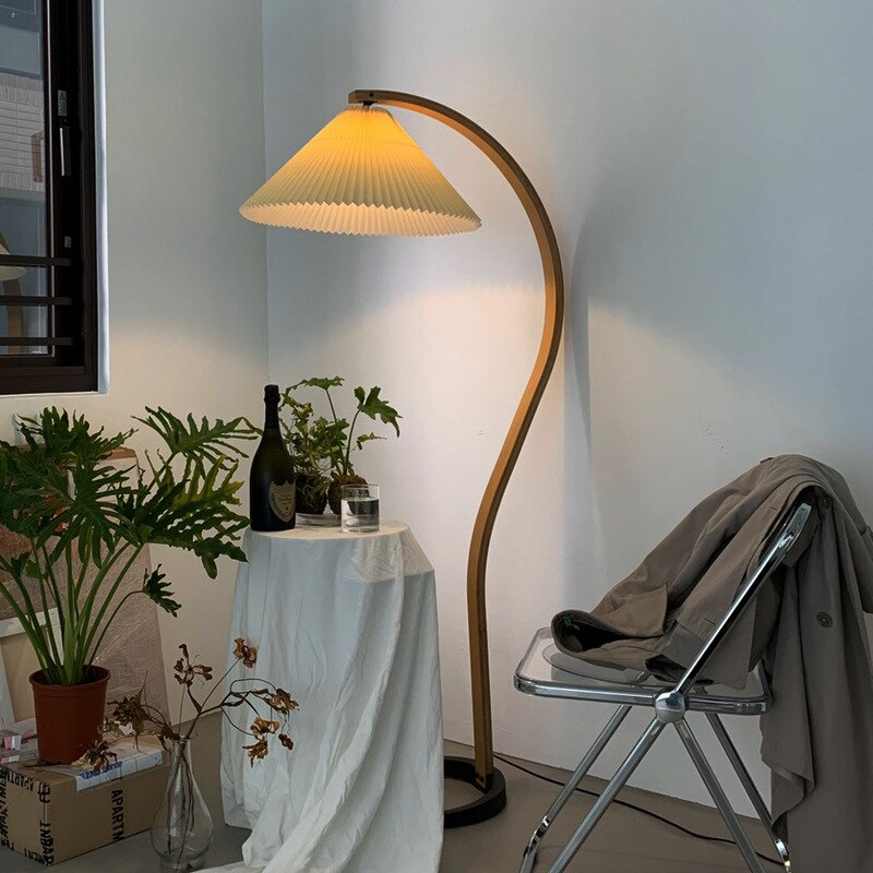 1960s American medieval vintage pleated floor lamp ins style Nordic Danish curved wood living room floor table lamp