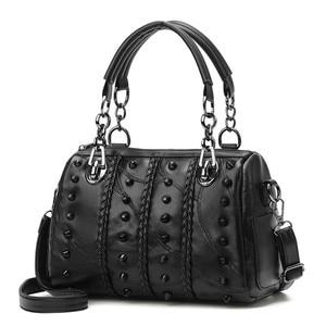 Black Shoulder Messenger Bag Rivet Ladies Cross Body Bag  PU Leather Ladies Handbags Larger Women's Bag