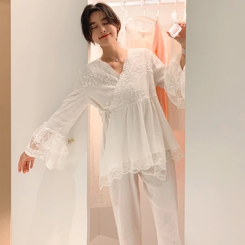 ربيع الخريف الدانتيل الشاش تنفس الأميرة قصر فتاة الأبيض منامة طويلة الأكمام ملابس خاصة النساء منامة مجموعة