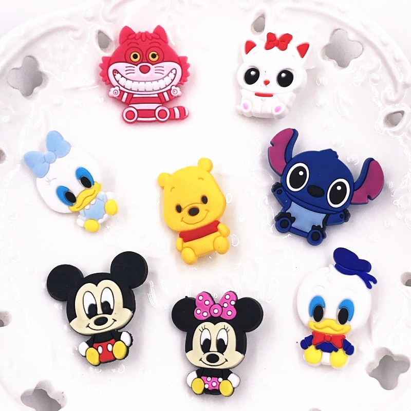 1Pcs Cartoon Mickey Minnie Duck Badges Cartoon Icons on Backpacks Badge Kawaii Pins for Clothes Brooch Girls Kids Decoration