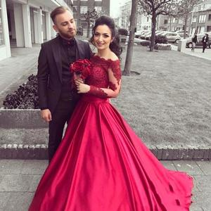 red prom dresses 2021 off the shoulder lace appliques satin a line floor length long evening dresses