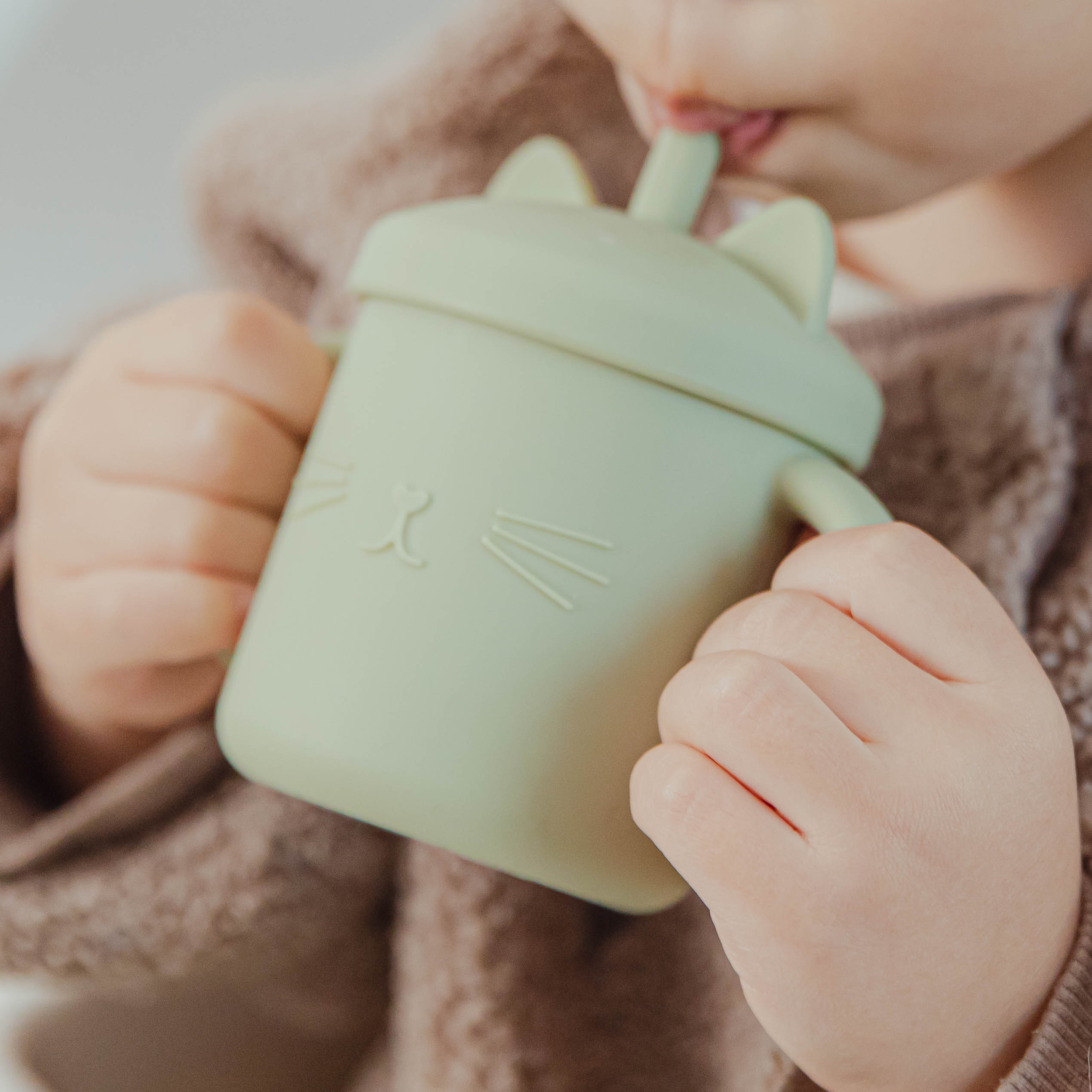 10 Color Baby Silicone Water Cup Feeding Cup BPA Free Baby Learning Drinkware Children's Soft Straw Cups