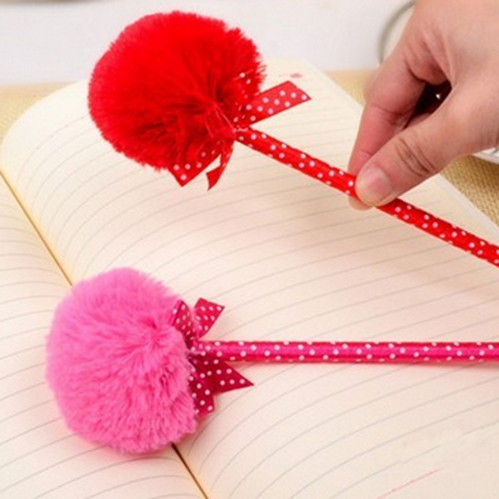 ¡1 ud.! Kawaii lindo Bowknot Bola de Pelo bolígrafo de bolígrafo material de papelería para estudiantes Scholl suministros Escolar Papelaria de Color al azar