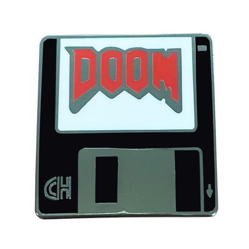 Doom jogo esmalte pino agradável disquete disquete distintivo ótimo presente para jogadores de tiro