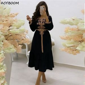 Black Cocktail Dresses 2021 Formal Party Night Women Prom Dresses Long Sleeves Graduation Appliques Satin Backless Evening Gowns