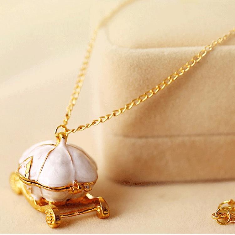 European and American retro jewelry wholesale Cinderella's magic pumpkin cart necklace Autumn and winter new