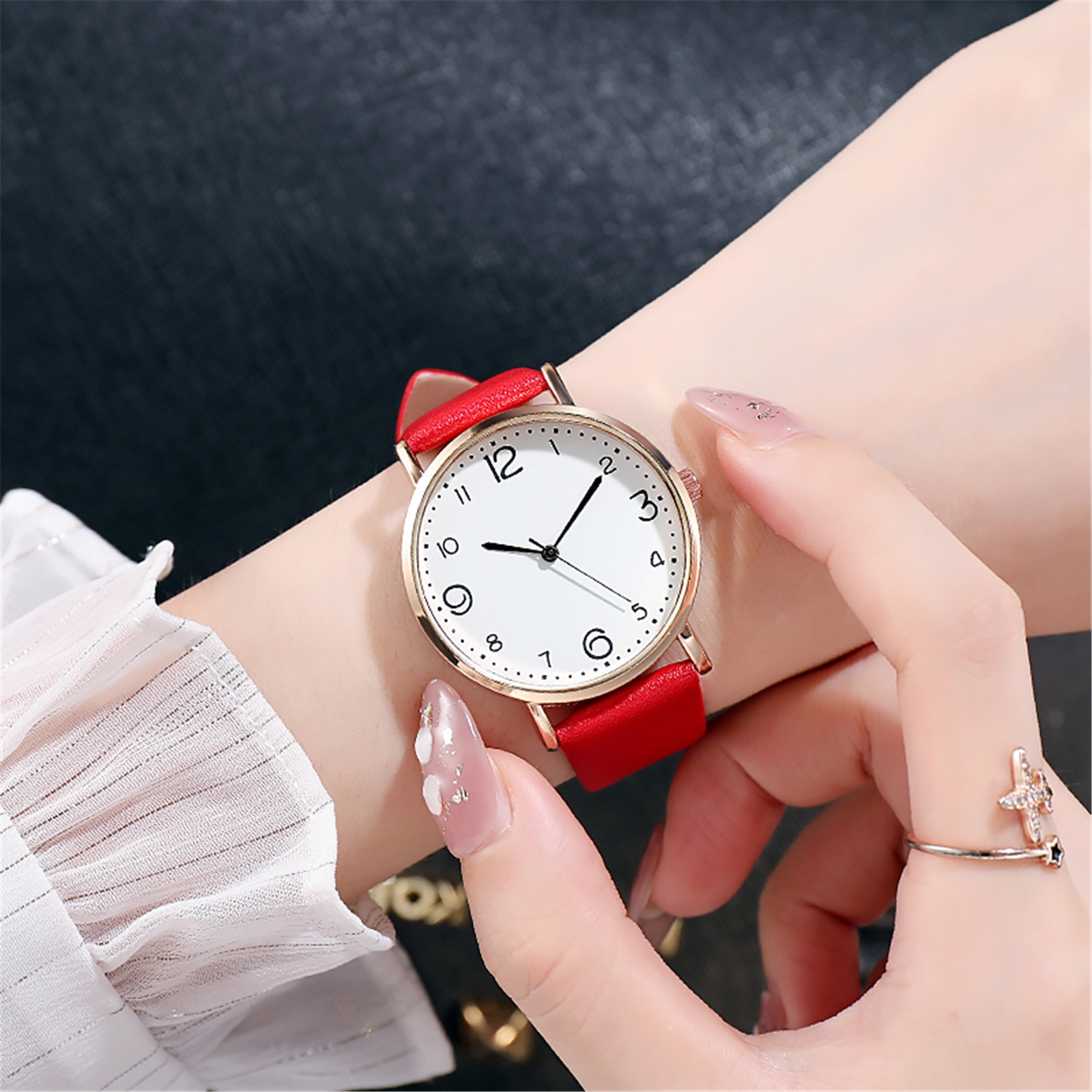 Red Watch Women Fashion Casual Leather Belt Watches Simple Ladies' Small Dial Quartz Clock Dress Wri