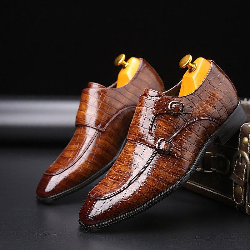 Zapatos de vestir de oficina de negocios para hombre, zapatos de cuero de grano de cocodrilo, zapatos de fiesta de boda informales con hebilla para hombre, zapatos planos de talla grande