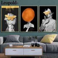 Affiche en toile creative de personnage de mode moderne  masquee  image de femme abstraite imprimee  decoration murale de Style scandinave pour la maison