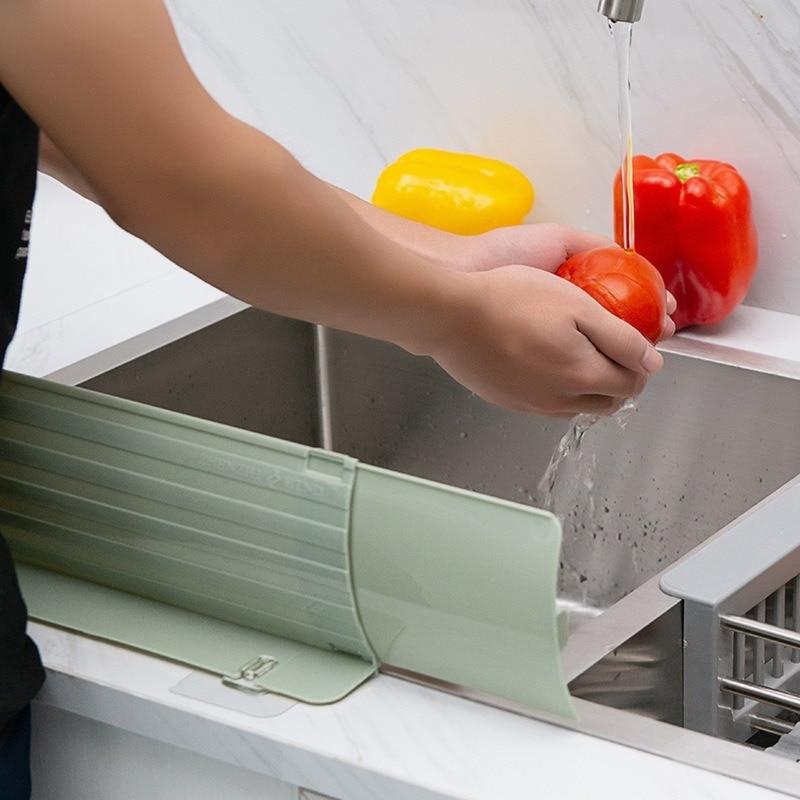Ventosa fregadero solapa piscina protección contra salpicaduras barrera de agua a prueba de aceite deflector a prueba de salpicaduras repetible fregadero de cocina protector contra salpicaduras grifo