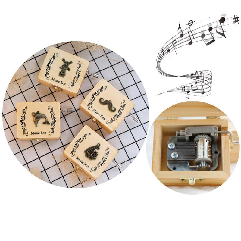 Nuevo y creativo parche metálico de madera hecho a mano, caja de música retro, caja de música de mano, campana de música, regalo para estudiantes, caja de regalo de recuerdo, regalo de cumpleaños