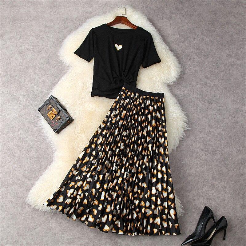 المصممين الموضة النساء ملابس الصيف 2021 مثير تي شيرت قصير الأعلى قلوب طباعة مطوي تنورة 2 قطعة مجموعة ملابس غير رسمية