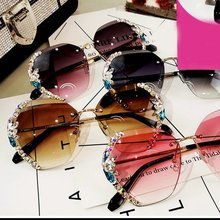 Fashion Vintage Rimless Rhinestone Sunglasses Women Men Retro Cutting Lens Gradient Sun Glasses Fema