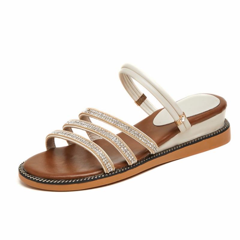 عالية الجودة الحفر زينت نمط الصيف أحذية سيدة النعال النساء الحلو مريحة رقيقة باطن لينة صنادل شاطئ