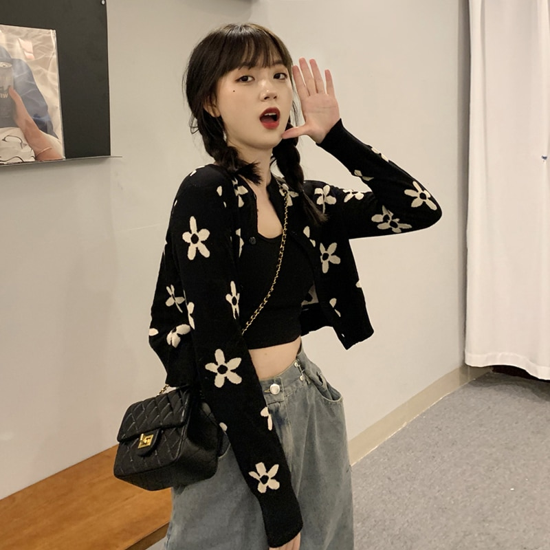Spring Women's Clothes 2021 New Style Floral Sweater Coat Cardigan Women's Chic Top Design Sense Nic