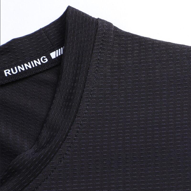 Купить с кэшбэком Sport Brand Shirts New Breathable Elastic Tee Fitness Quick Dry Short Sleeves Striped Men Workout Fashion Bodybuilding Shirts