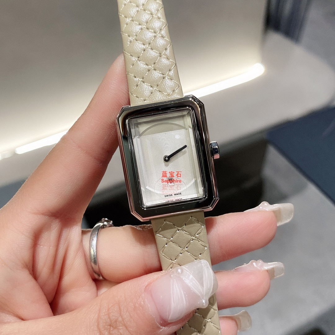 Brand, luxury ladies watches, replica fashion watches, casual dress ladies, plaid leather strap watches, C banquet, enlarge