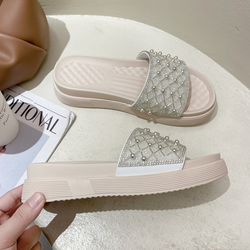 Thick bottom Outdoor women's slippers New summer 2021 Slope heel Sandals Heightening shoes Seaside holiday Open toe beach shoes