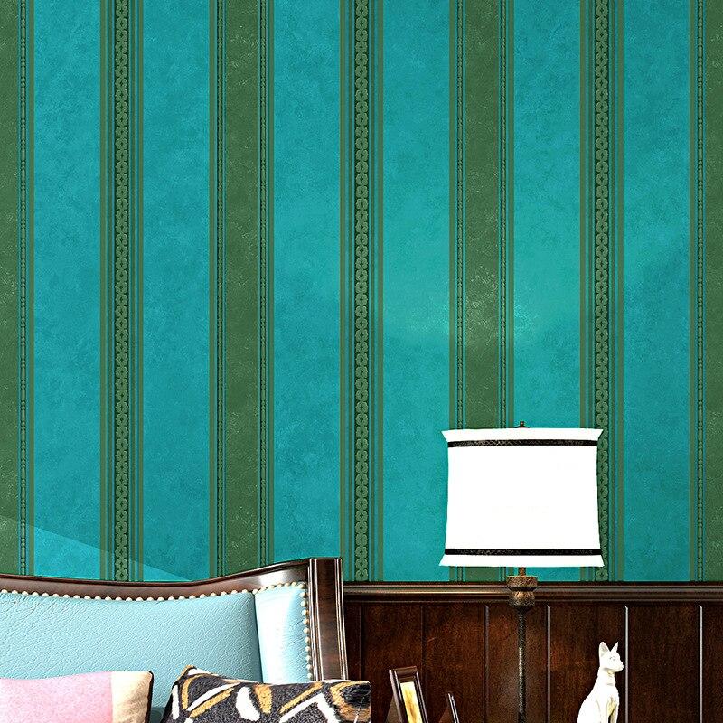 خلفية خضراء ريترو لغرفة النوم ، حنين أخضر ، على الطراز الأمريكي ، قرية ، لون أخضر داكن ، خطوط عمودية مخططة