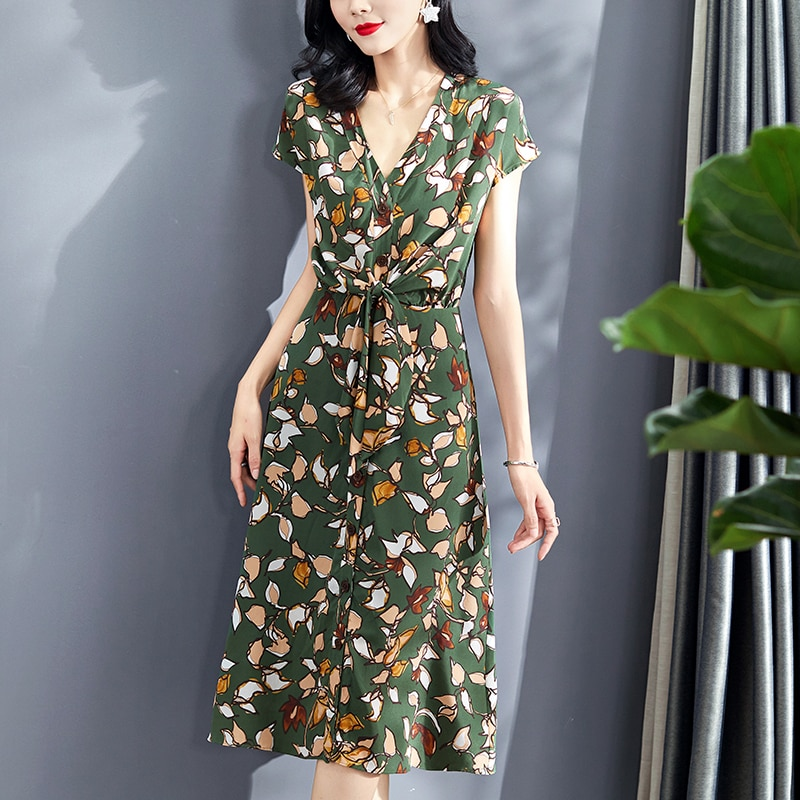 100% نقية الحرير الحقيقي المرأة فساتين الصيف أنيقة الخامس الرقبة قصيرة الأكمام واحدة الصدر سيدة ألف خط المطبوعة منتصف العجل فستان أخضر