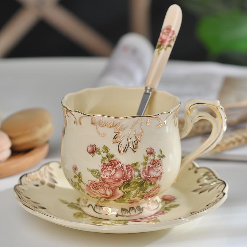 Taza de Café de Cerámica creativa y platillo, taza de té de porcelana y cuchara, Rosa pintada a mano, regalo clásico para bebidas, gran oferta
