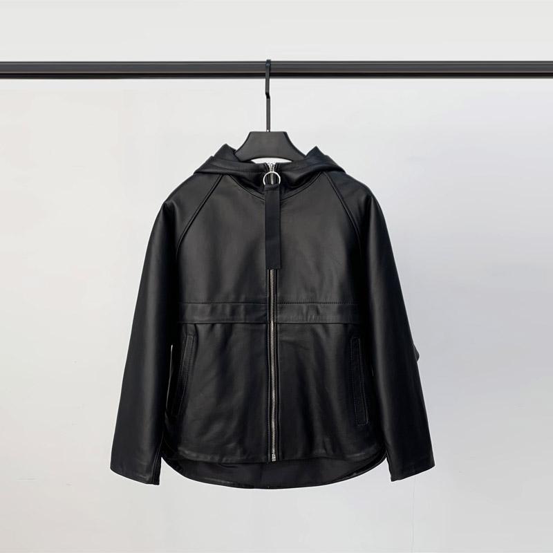 معطف جلد خروف نسائي ، جاكيت دراجة نارية ، جلد الغنم ، قصير ، مطرز ، غير رسمي ، ربيع 2021