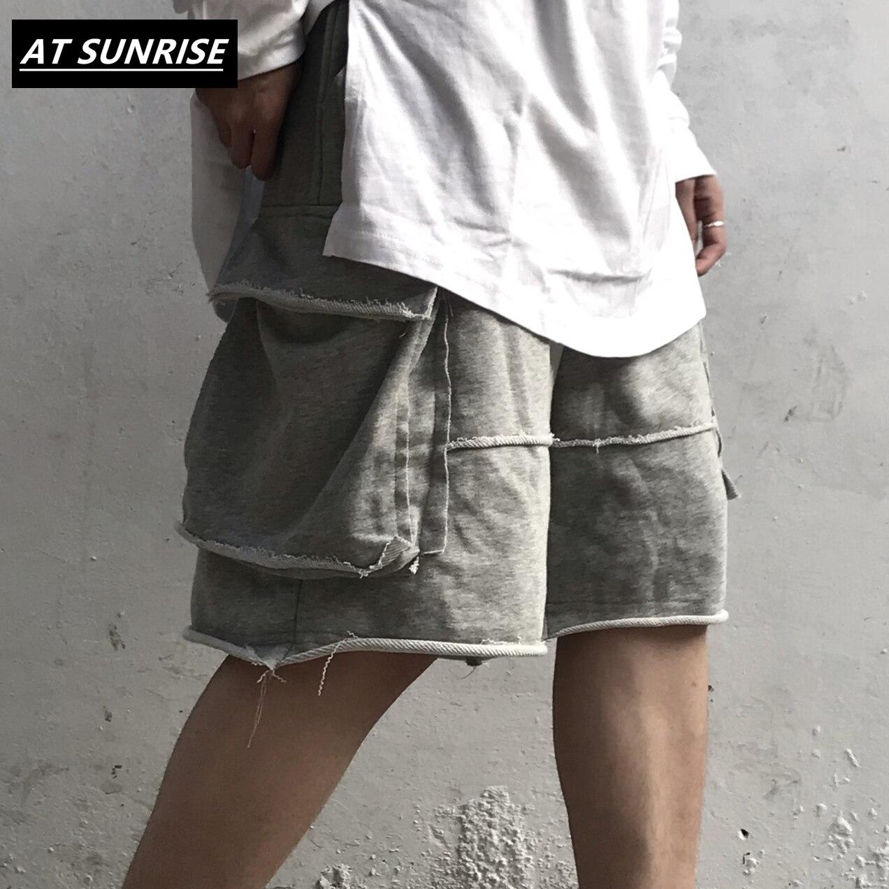 Pantalones cortos de alta Calle, ropa de calle, pantalones cortos Harajuku para correr, pantalones cortos de verano Hip Hop para hombres, pantalones de chándal de algodón holgados informales en negro y gris