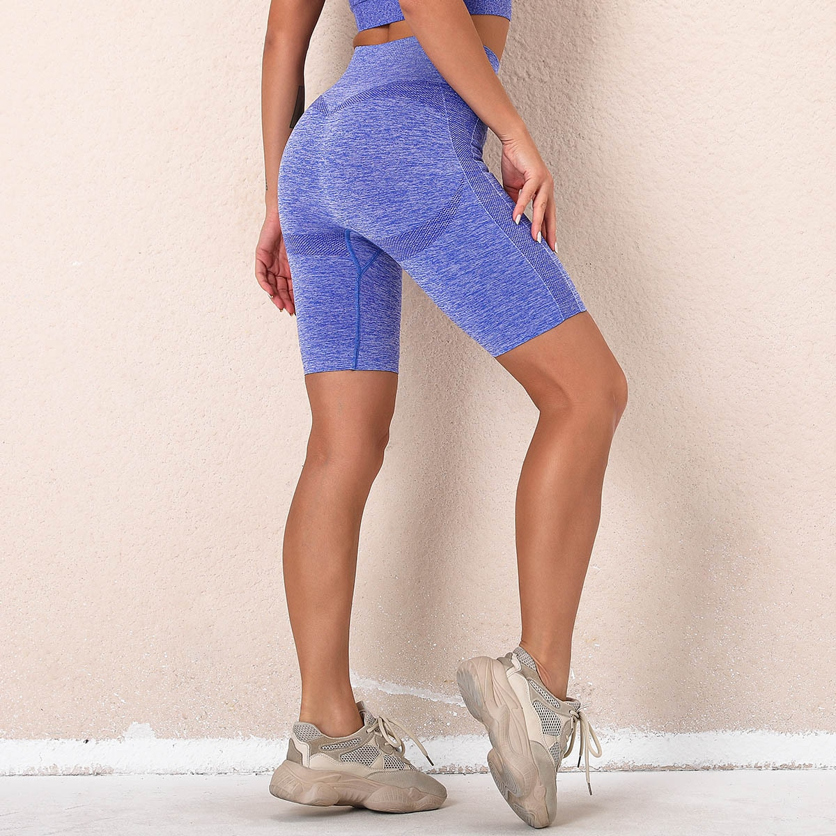 New Women's New Seamless Fitness Shorts Fitness Yoga Short Tight-Fitting Hip Yoga Shorts Compression Short Sexy Fitness Leggings
