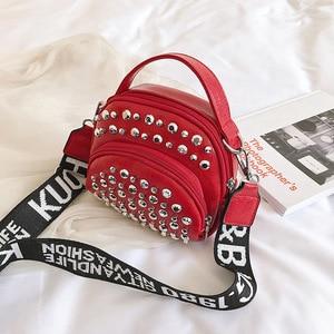 Сетчатая красная сумка на плечо с бриллиантами, Женский мессенджер, миниатюрный широкий ремешок на плечо с надписью, модная дамская сумочка