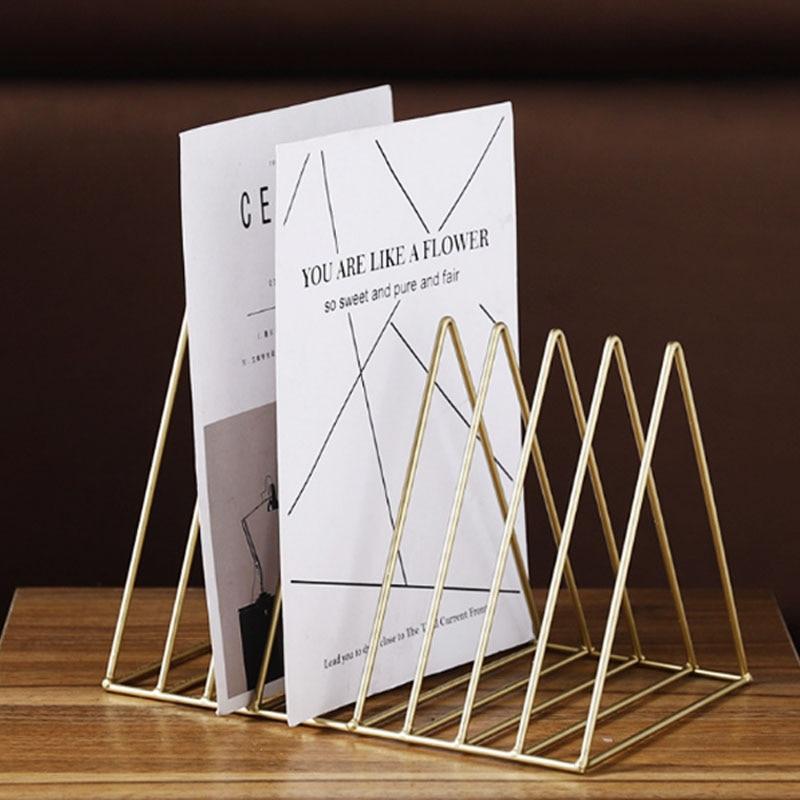 Triángulo nórdico Simple de hierro forjado estante de almacenamiento de escritorio estantería para oficina revista periódico estante de almacenamiento