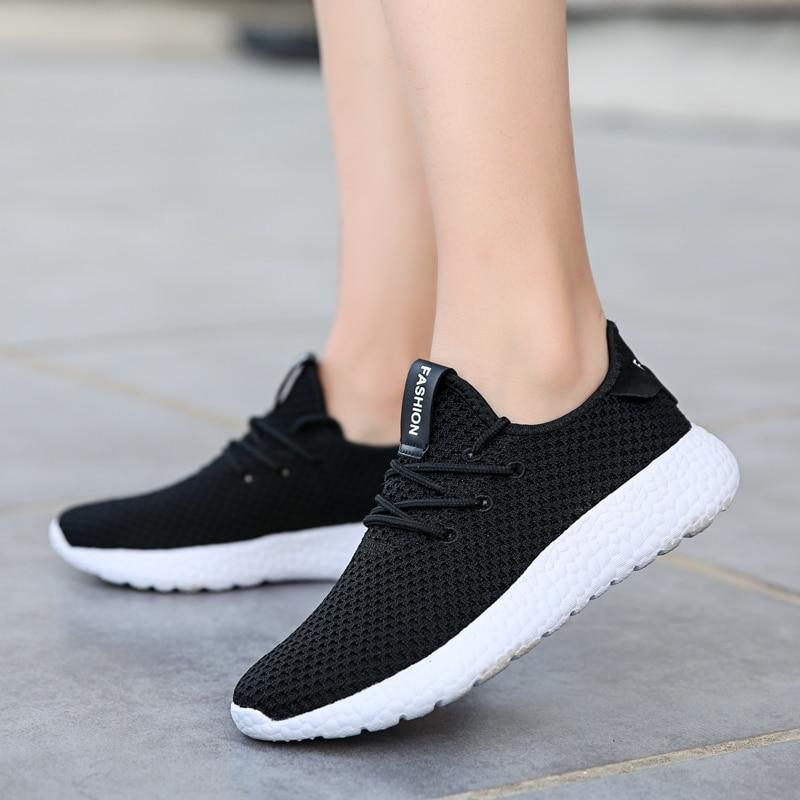 Nuevos zapatos para correr de mujer 2020 verano Zapatillas de malla Ultra ligeras transpirables zapatos para caminar de calle zapatos de señora
