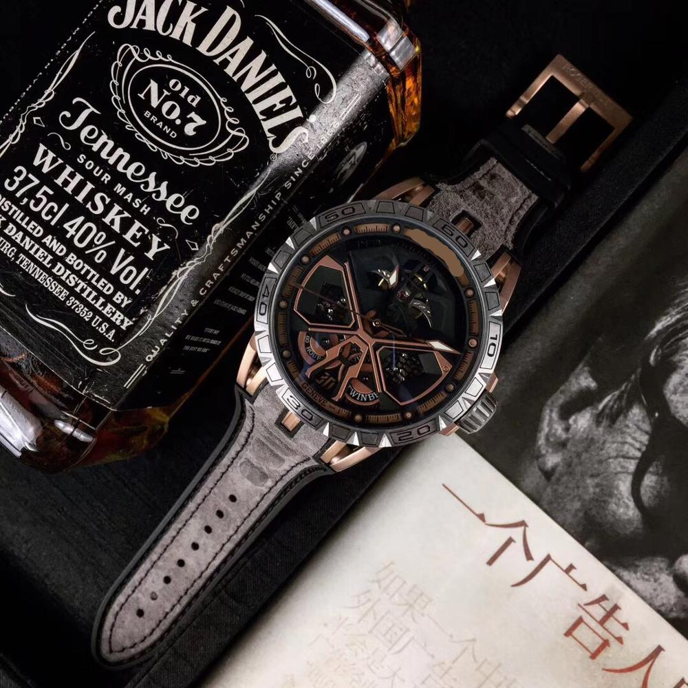 WG1145   Mens Watches Top Brand Runway Luxury European Design Automatic Mechanical Watch
