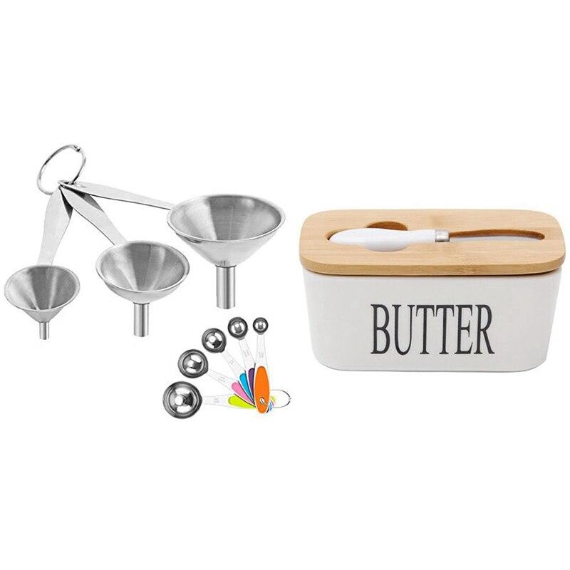 زبدة مختومة صندوق السيراميك والزبدة السبورة ، غطاء من الخشب وسكين مع مداخل المطبخ ، قمع و الملاعق الحساسة
