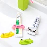 Distributeur de dentifrice en plastique  Tube de creme en forme danimal de dessin anime  outil de pressage pour salle de bain a domicile
