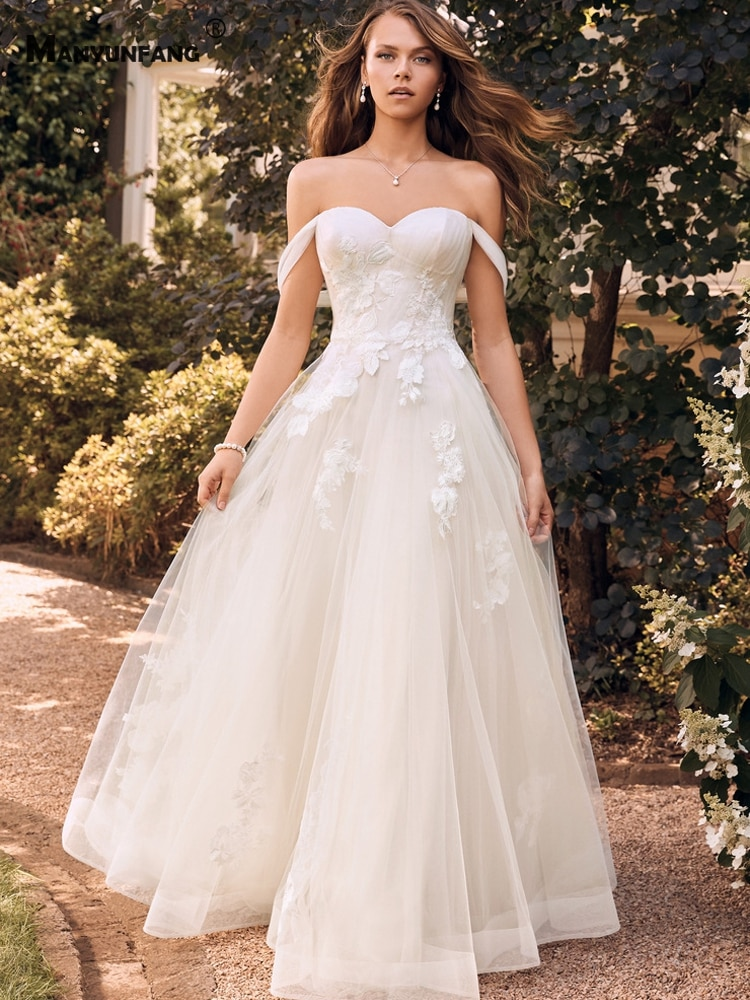 Promo Custom Made Sweetheart Neck Embroidery Appliques Tulle Chapel Train Bridal Ball Gown Elegant Off the Shoulder Wedding Dress