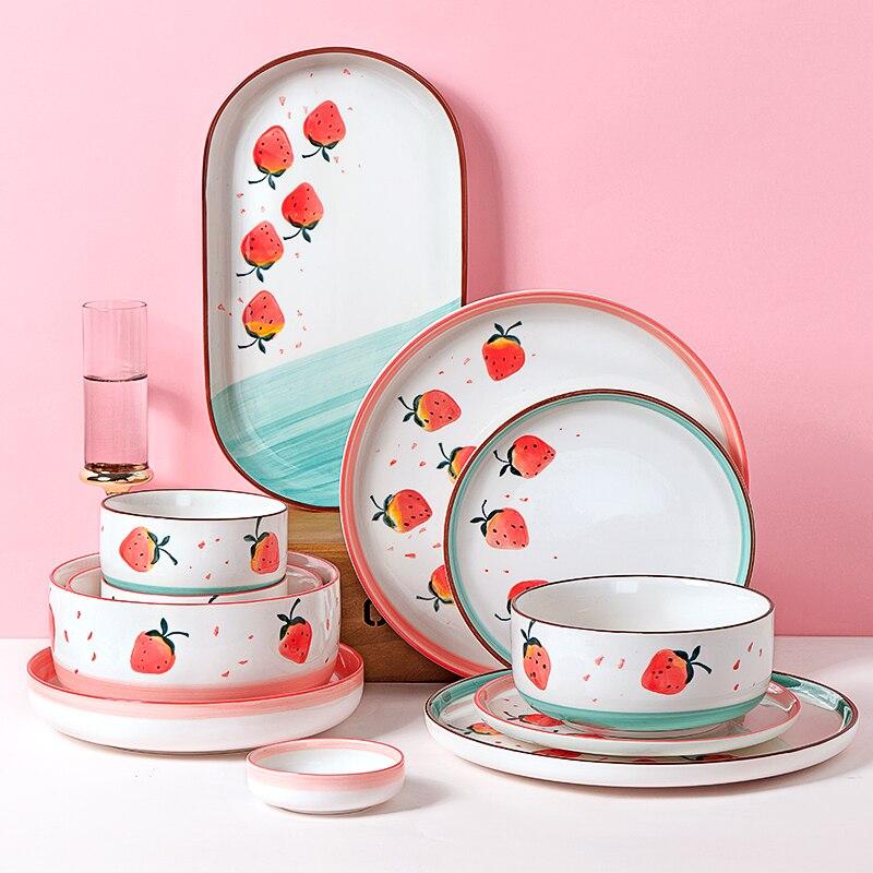 Oneisall 1pc rosa cerâmica bonito morango bife estilo platenordic talheres tigela ins placa de jantar high-end porcelana conjunto de talheres
