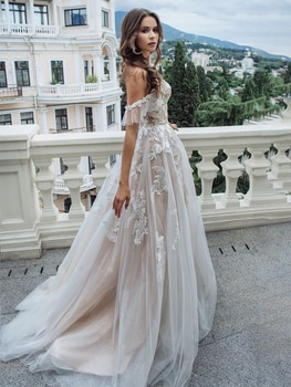 Sweetheart Champagne Appliqued Bridal Gown Off The Shoulder Romantic Buttons Photography 2021 Custom Made Tulle Wedding Dress