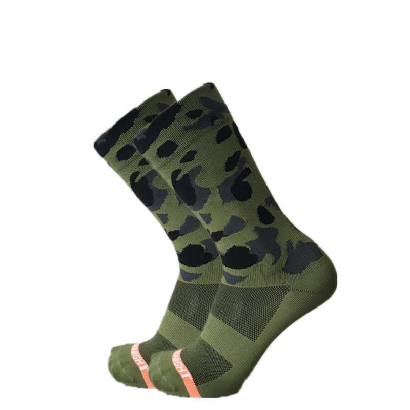 SKY KNIGHT New Professional Outdoor Riding/Cycling Olive Green Camouflage Socks Unisex Sports Bike Socks Elastic Breathable Sock